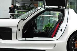 SLS AMG前排空间图片