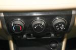 威驰                   中控台空调控制键