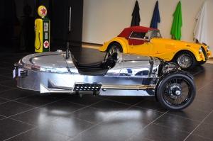 摩根3-Wheeler正侧(车头向右)图片