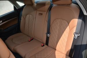 奥迪S8后排座椅图片