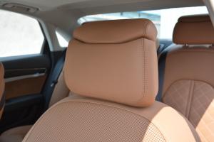 奥迪S8驾驶员头枕图片
