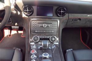 SLS AMG中控台正面图片