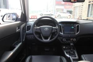 ix25完整内饰(驾驶员位置)