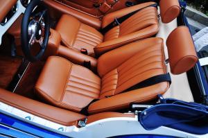 摩根Plus 4 驾驶员座椅
