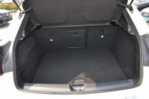 GLA级行李箱空间