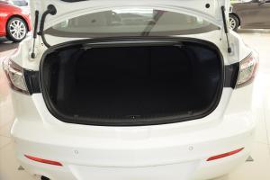 马自达3星骋三厢             行李箱空间