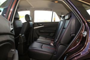 比亚迪S7后排空间图片