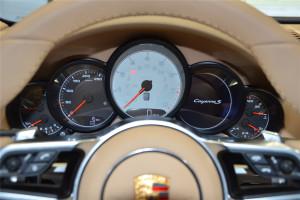 保时捷Cayenne仪表盘背光显示图片