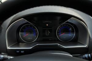 吉利新帝豪两厢仪表盘背光显示图片