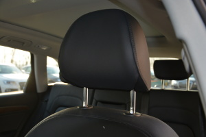 奥迪Q5驾驶员头枕图片