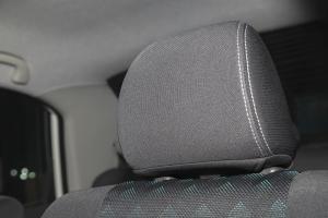 利亚纳A6三厢驾驶员头枕图片