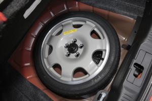 福特Mustang备胎图片
