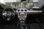福特Mustang完整内饰(中间位置)图片