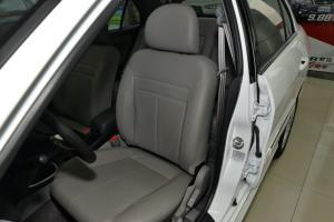 三菱蓝瑟 驾驶员座椅