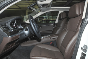 宝马5系GT(进口)前排空间图片