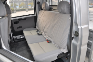 T32 后排座椅