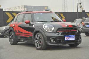 MINI COUNTRYMAN JCW 前45度(车头向右�Q�