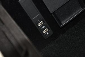 进口奔驰S级 USB接口