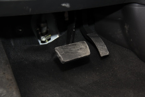 CS35脚踏板