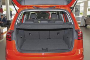 大众Sportsvan          行李箱空间