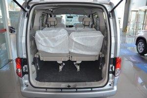 日产NV200 行李箱空间