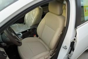 君威驾驶员座椅图片