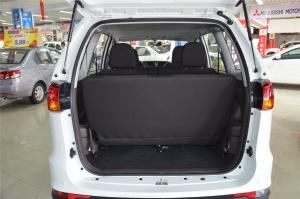 一汽森雅S80 行李箱空间
