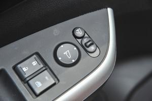 CR-V外后视镜控制键