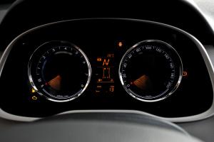 赛欧3仪表盘背光显示图片
