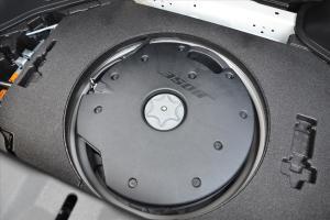 进口日产370Z 备胎