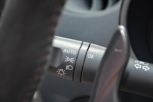 日产370Z 大灯远近光调节柄