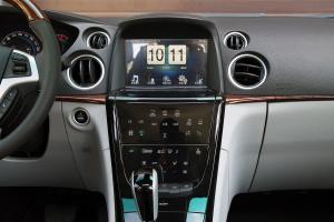 新大7 SUV中控台正面图片