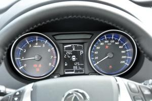 风行S500 仪表盘背光显示
