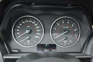宝马1系(进口)仪表 图片