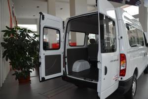 上汽大通MAXUS V80        行李厢开口范围
