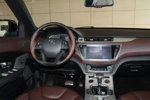 X7完整内饰(驾驶员位置)