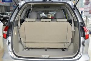 比亚迪M6                行李箱空间(第3排打开)