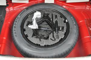 瑞风S2                 备胎