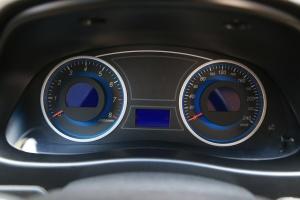 吉利EC8仪表盘图片