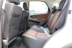 天语SX4两厢后排空间图片