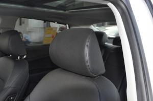 起亚K5驾驶员头枕图片