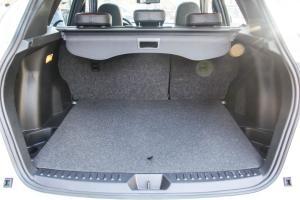 奔腾X80                行李箱空间