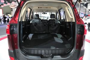 风光370行李箱空间图片