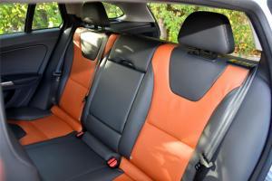 沃尔沃V60 Cross Country后排座椅图片