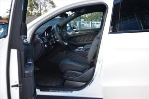 奔驰GLE级AMG运动SUV(进口)前排空间图片
