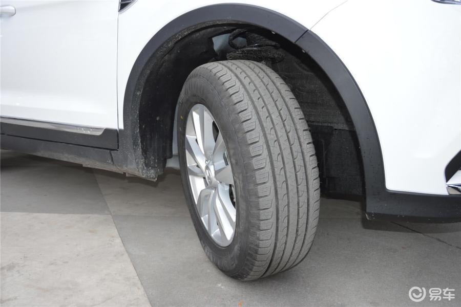 领先型轮胎花纹汽车图片-】