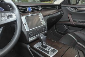 Quattroporte中控台驾驶员方向