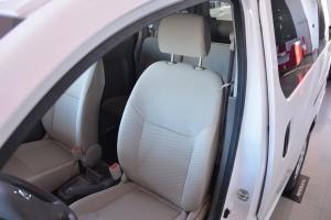 日产NV200驾驶员座椅图片