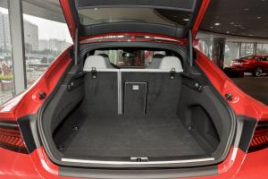 进口奥迪S7 行李箱空间