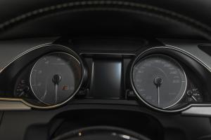 奥迪S5仪表盘图片